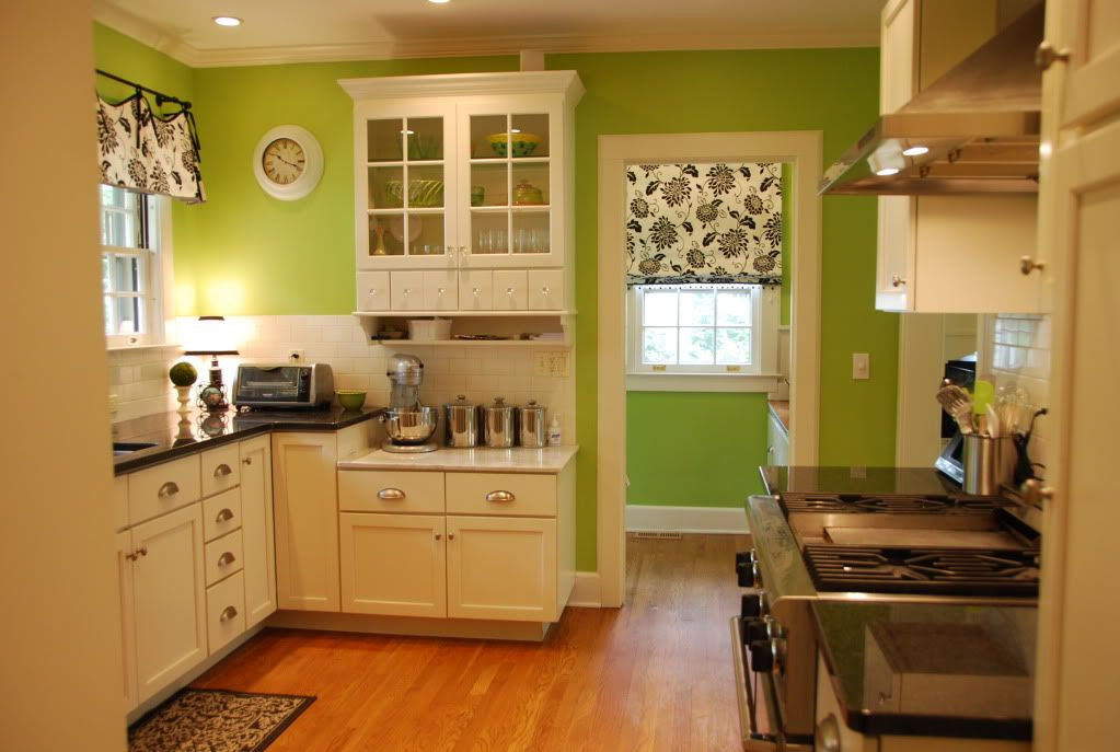 Show Me Your White Kitchen Light Green Walls Green Walls And Green Kitche