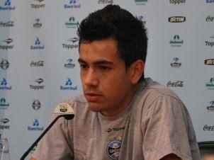 Saimon do Grêmio 2 Vídeo de Jogador do Grêmio Saimon com duas mulheres na internet
