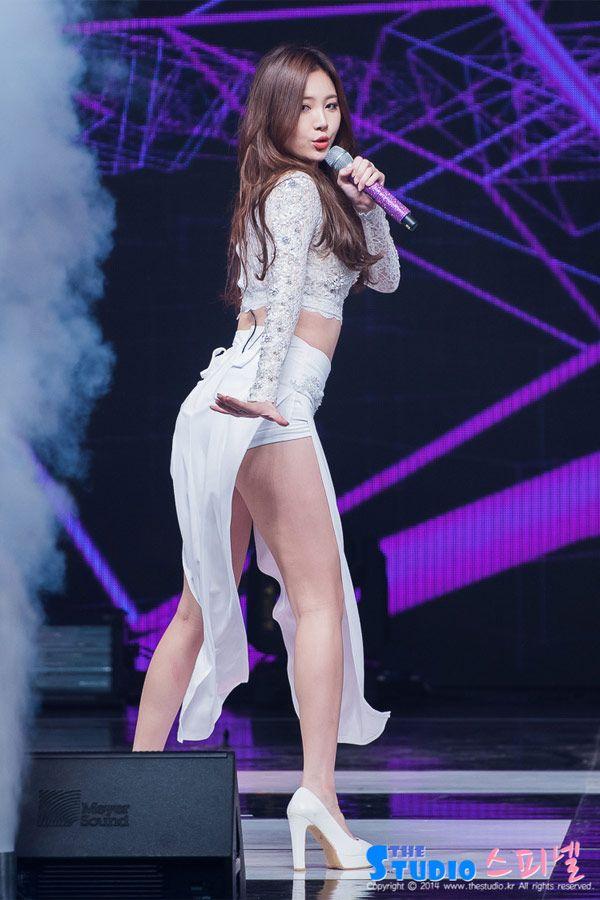 Những thân hình 'mỡ màng' được yêu thích nhất Kpop