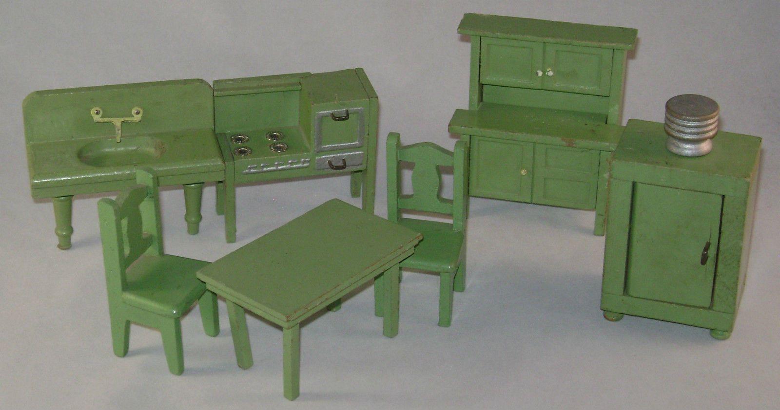 SCHOENHUT DOLLHOUSE KITCHEN FURNITURE SET  Dollhouse kitchen