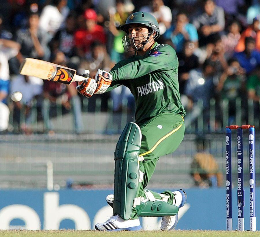 Abdul razzaq goes for a pullshot cricket photo craze