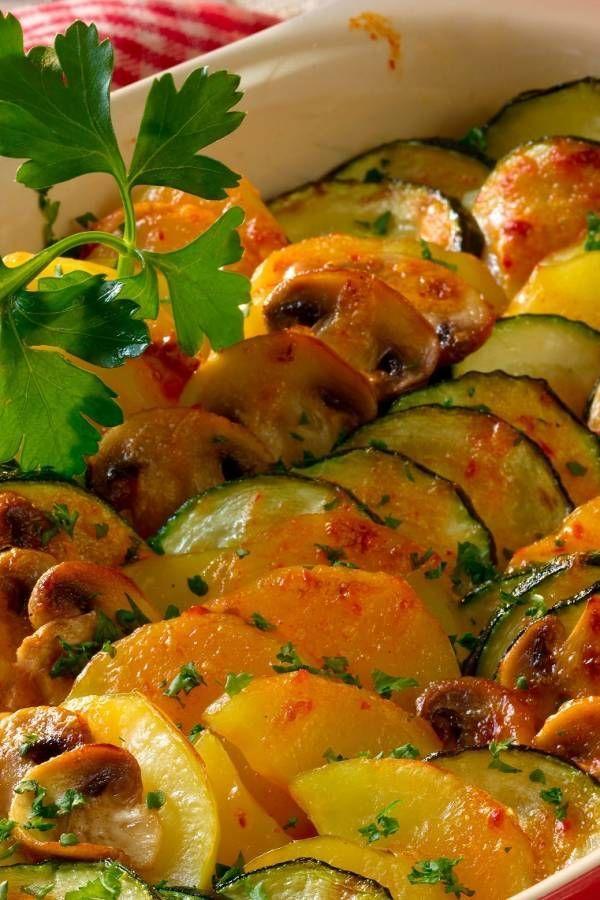 Zucchini-Auflauf: Rezept mit Kartoffeln und Champignons #vegetarischerezepte