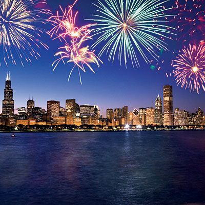 Top Spots To Celebrate The Fourth Fireworks 4th Of July Fireworks Chicago Skyline