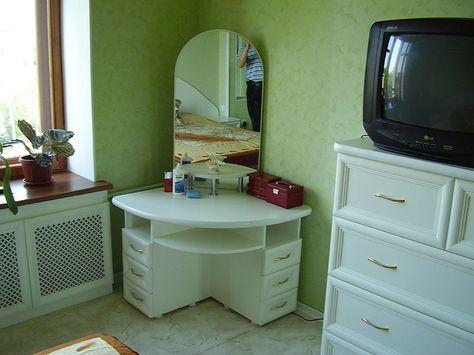 15 Elegant Corner Dressing Table Design Ideas For Small Bedrooms