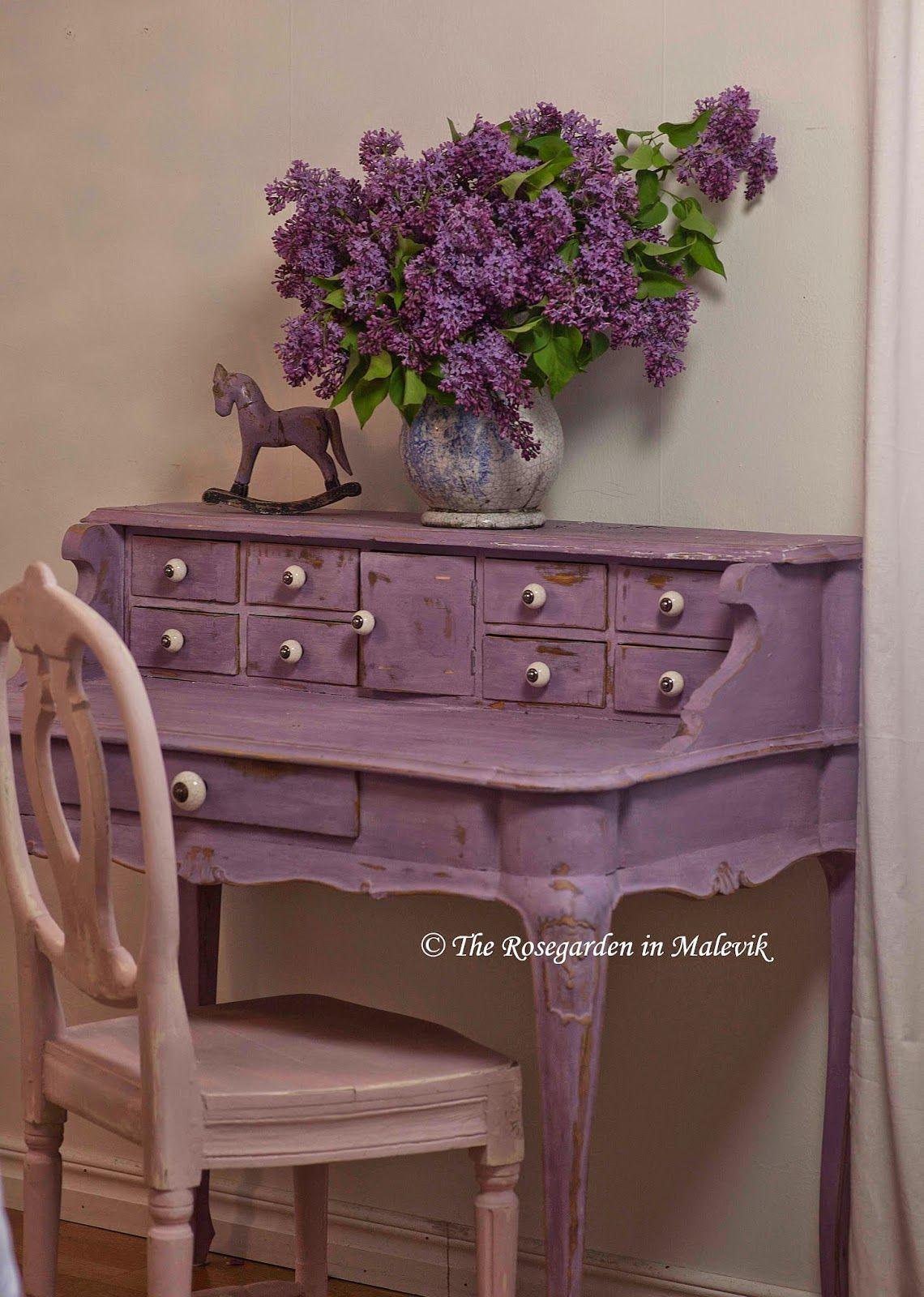 The ROSEGARDEN in Malevik Chalk Paint Purple furniture