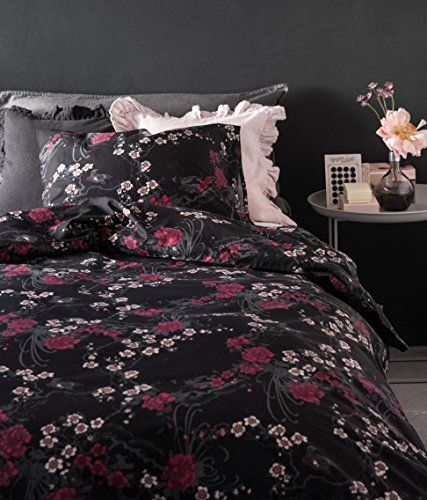 black-and-white-asian-bedspread