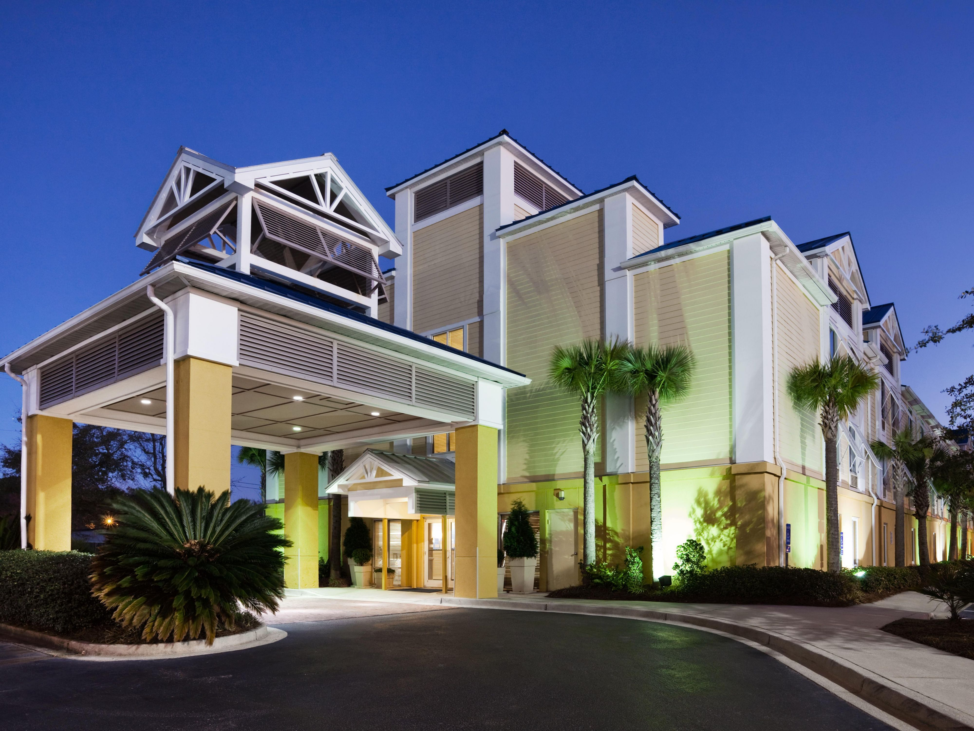 Official Site View Pictures Of Holiday Inn Express Charleston Us Hwy 17 See Hotel Photos Learn About Amenities And Book With Best Price Guarantee