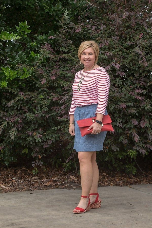 One Dozen Red, White and Blue Outfits #chambrayskirt #skirtoutfit #redwhiteandblue #summeroutfits