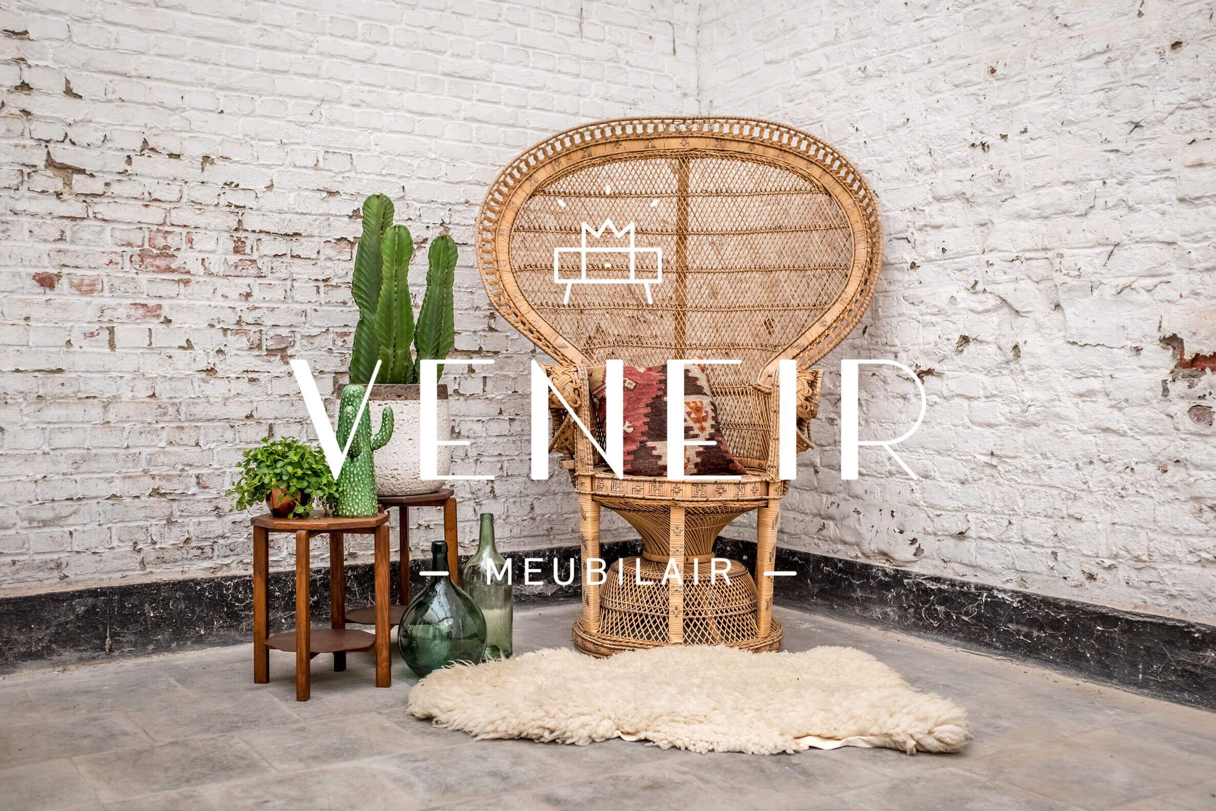 Interieur Kaptafel Styling : Prachtige kaptafel die ook als bureau gebruikt kan worden spiegel
