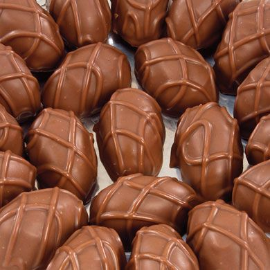 Vanilla #caramels wrapped in pure milk #chocolate #candy #mscandyblog