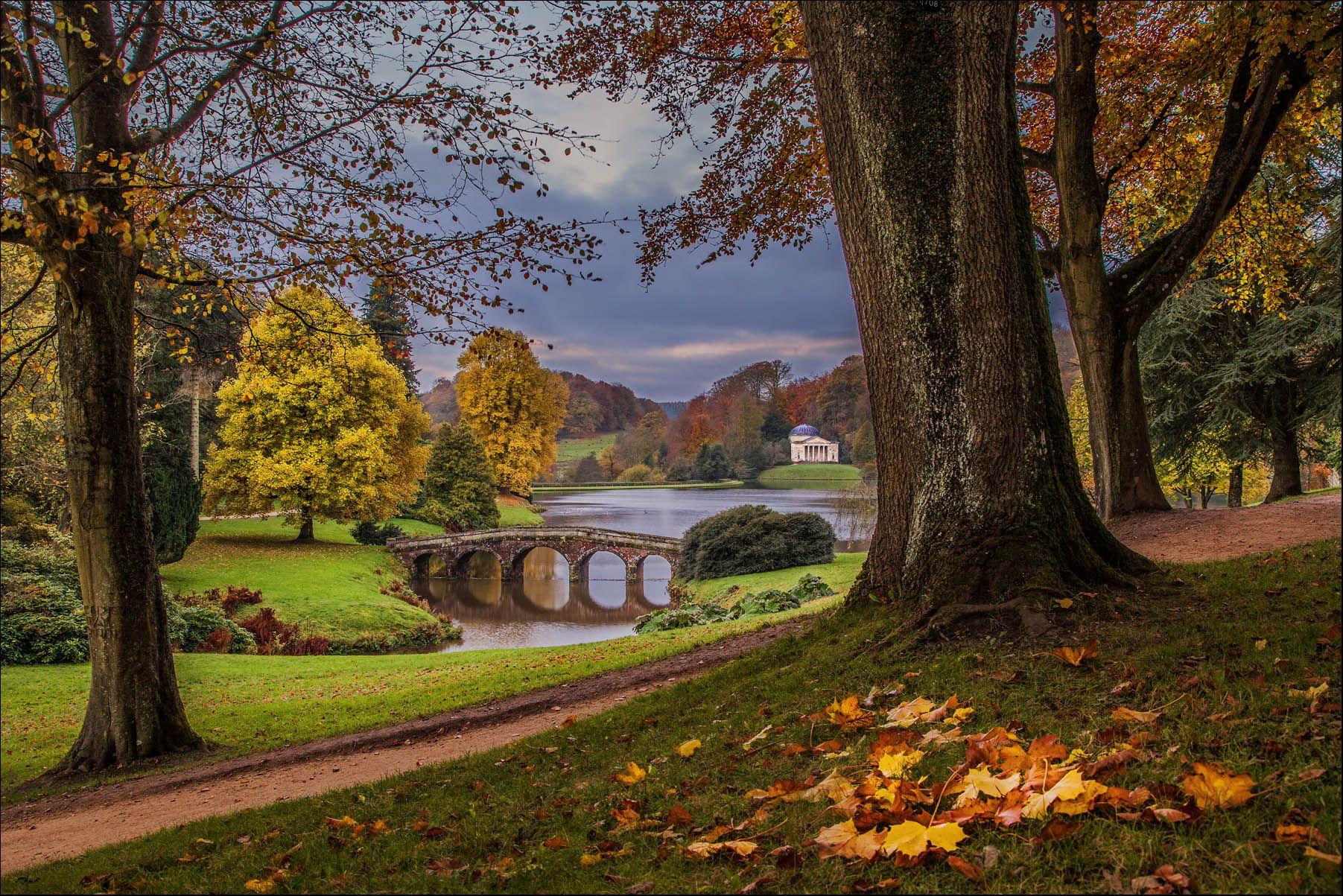 Scaricare Gli Sfondi Stourhead Garden Wiltshire Inghilterra Wiltshire Sfondi Gratis Per La Risoluzione Del Desktop 1803x1 Sfondi Alberi Di Autunno Natura