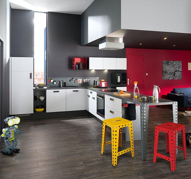 Cuisine ludique de Meccano - Blog Deco Lofts - deco salon rouge et blanc