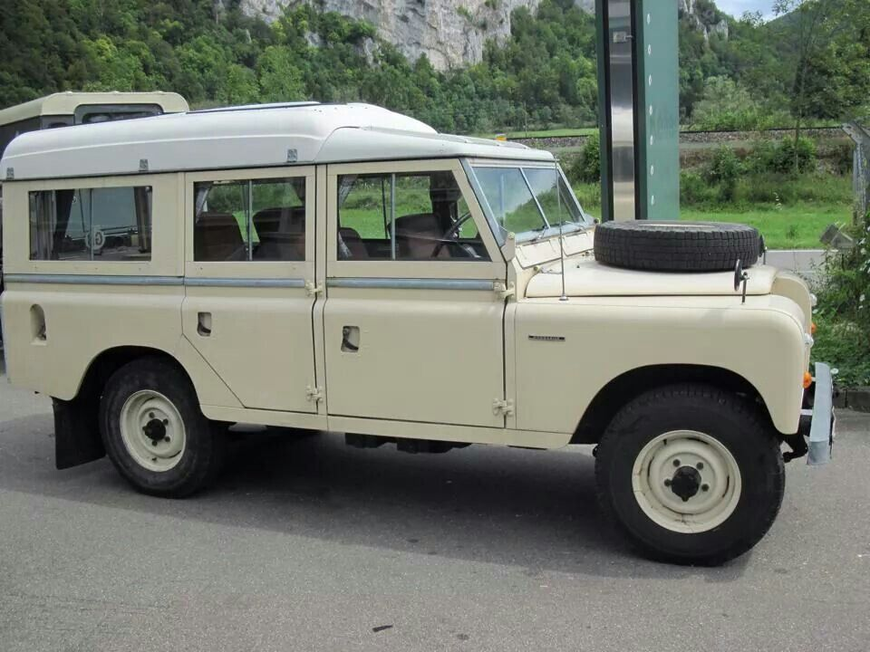 Land Rover 109 Serie Iii Dormobile Cream Autos Autos Antiguos