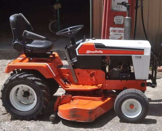 1980s Simplicity Garden Tractor Mower Model 7116 Hydrostatic PICK UP ONLY