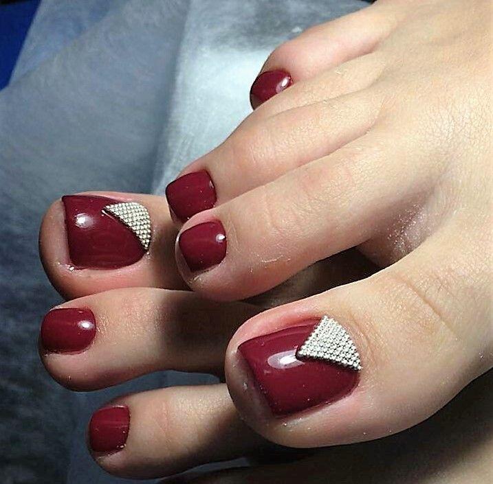 Pedicure Nail Art: Red-Rhinestone Toe Nail Art