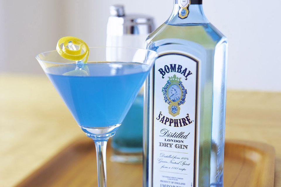 Peachy Blue Gin Martini The Sapphire Alpine Recipe Fruity Cocktails Martini Blue Martini