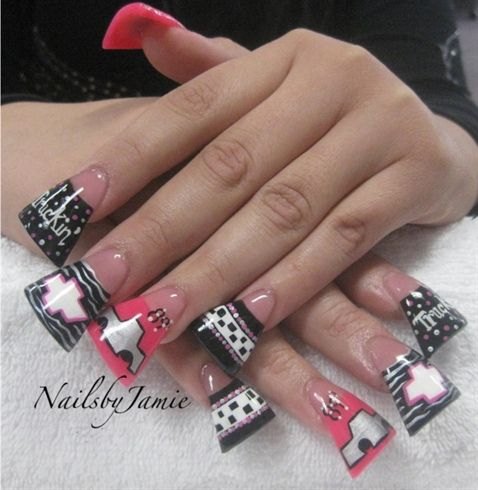 Duck Feet Nails Horrible Trend How Could Anyone Do Anything With These Is This To Match Ones Lips