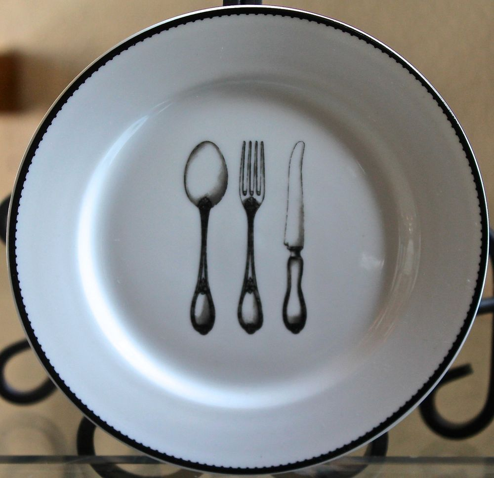 Ciroa simple serve rim plate round spoon fork knife black & white ...