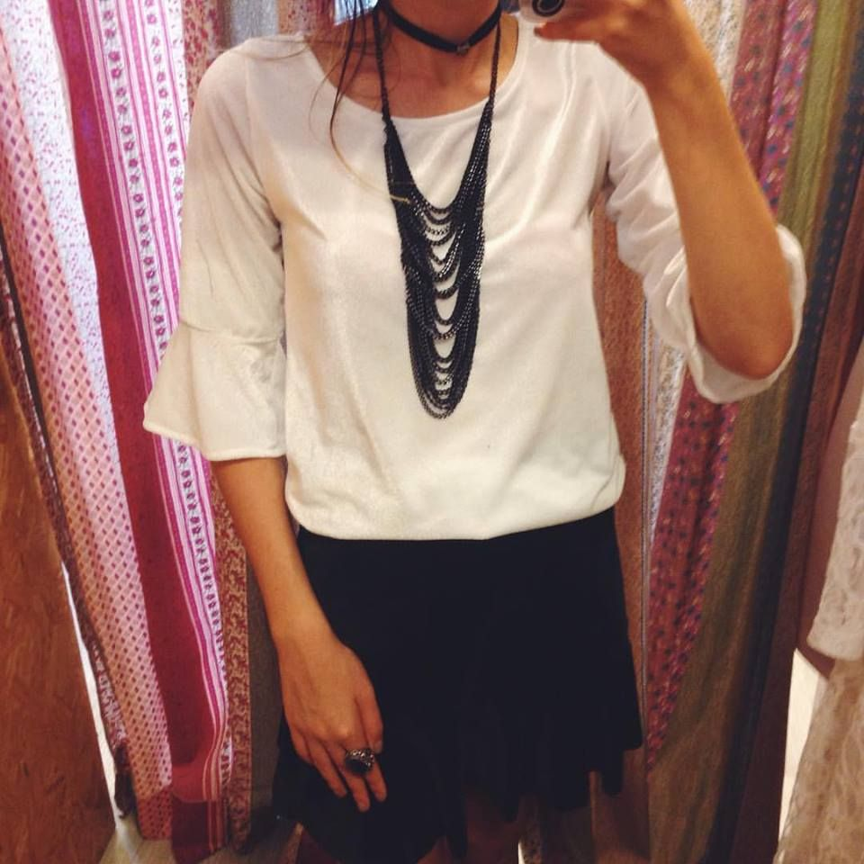 Preto e Branco❤️ #lojaamei #muitoamor #etiquetaamei #veludo #colar #acessório #saia #anel #fashion #moda