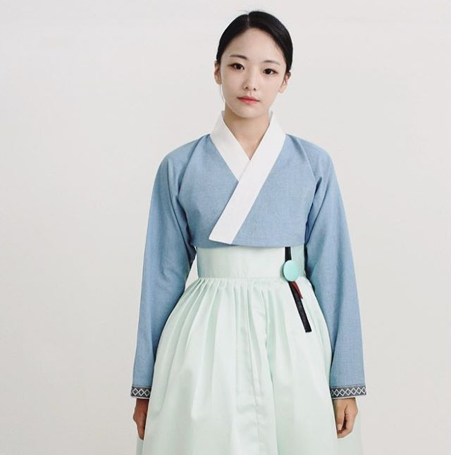 옷섬한복 @kyulcs for more Korean hanbok.
