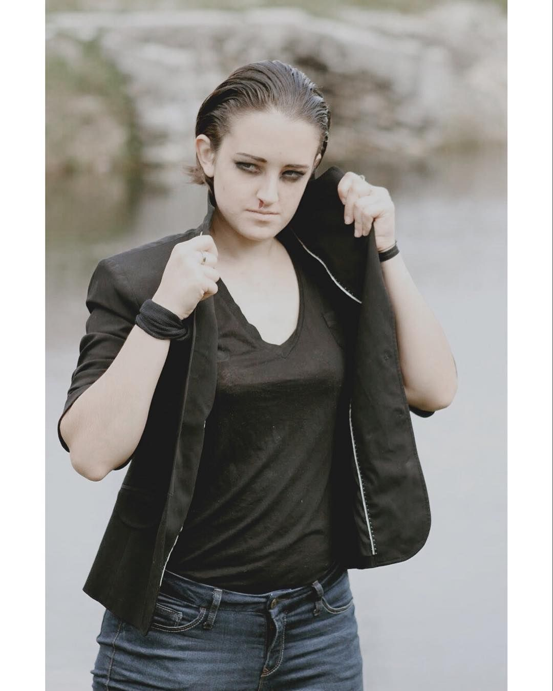 """I'm just curious why all of a sudden you look like some kind of MTV punk."" . . . #cosplay #cosplayer #cosplays #cute #goals #costume #eleven #elevencosplay #punkeleven #strangerthings #strangerthingsseason2 #netflix #netflixoriginal #netflixoriginalseries #photo #milliebobbybrown #finnwolfhard #calebmclaughlin #gatenmatarazzo #joekeery #sadiesink #noahschnapp @netflix @strangerthingstv @officialstrangerthings_ @milliebobbybrown @finnwolfhardofficial @noahschnapp @dkharbour @uncle_jezzy…"