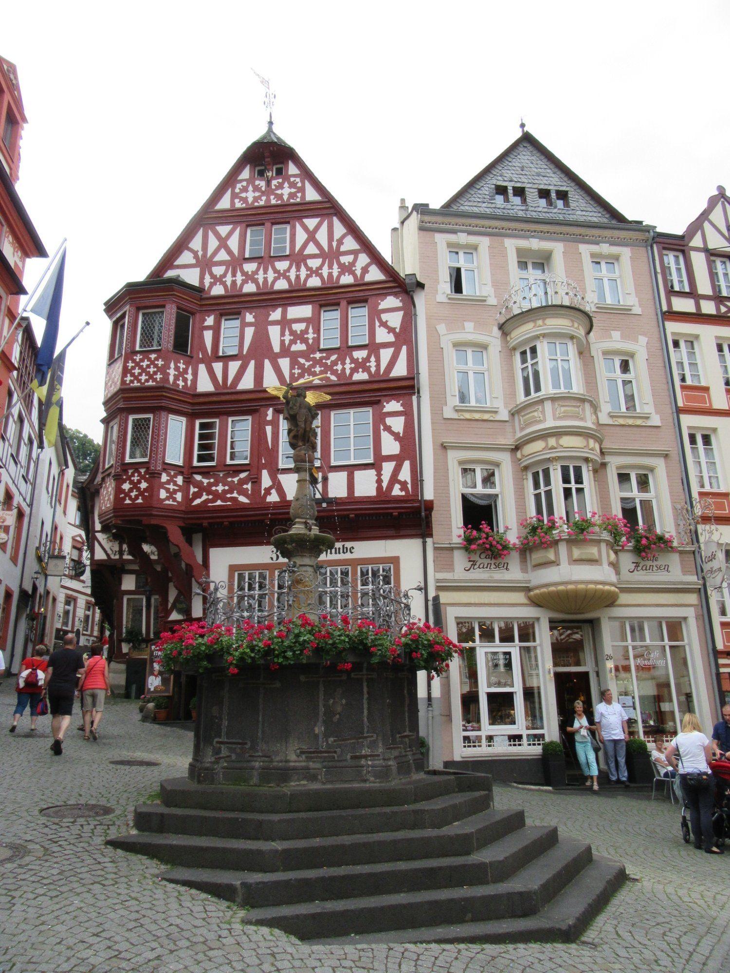 Mittelalterlicher Marktplatz Bernkastel Kues Germany Top Tips Before You Go Bernkastel Kues Trip Advisor House Styles