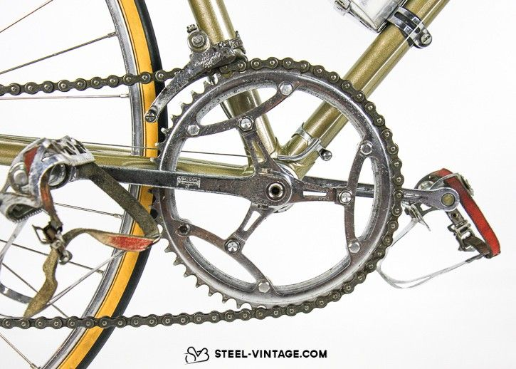 Rare early 1960s frame. Campagnolo parts. Refurbished paint and ...