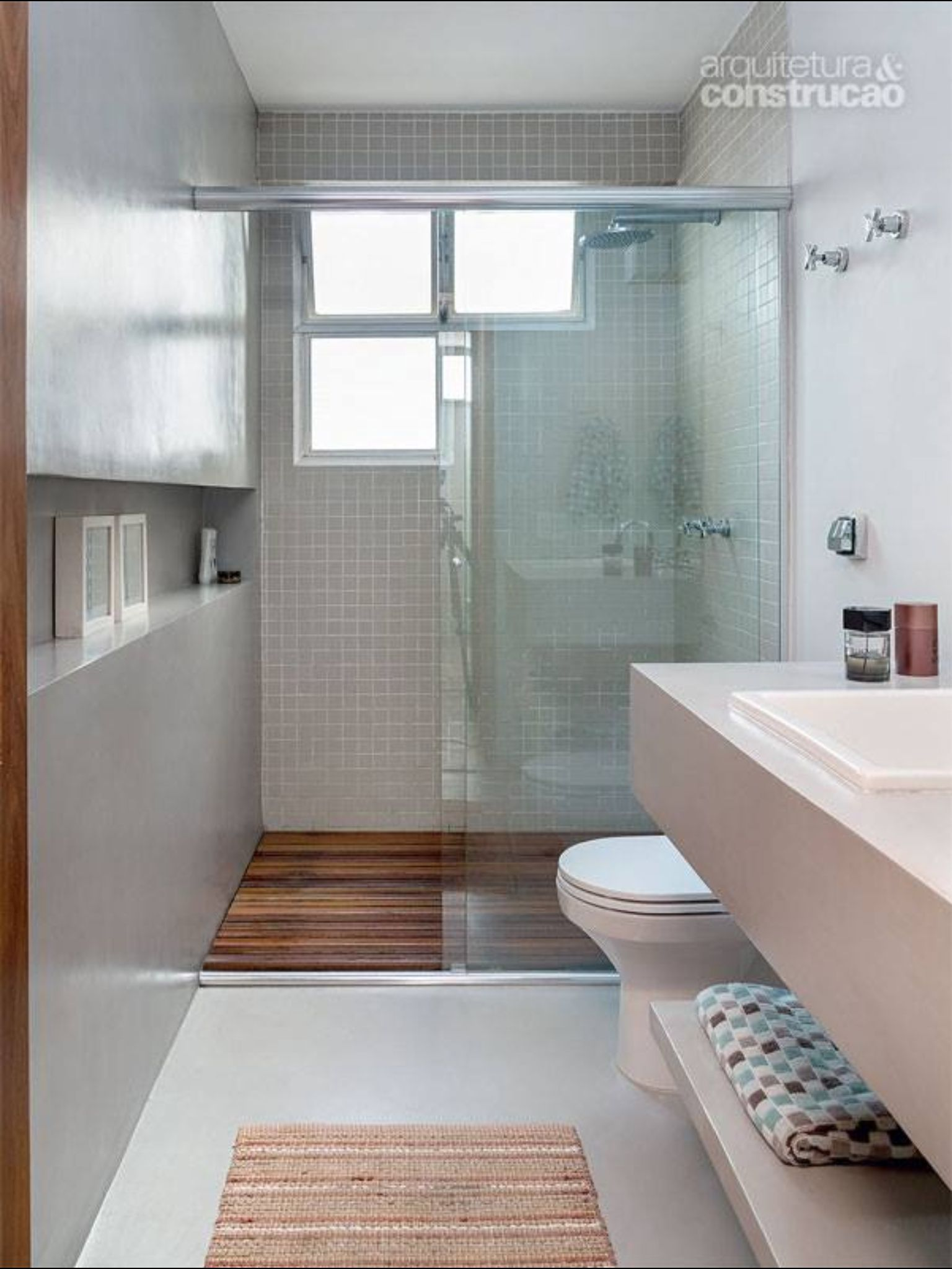 Simple smaller bathroom really love that shower