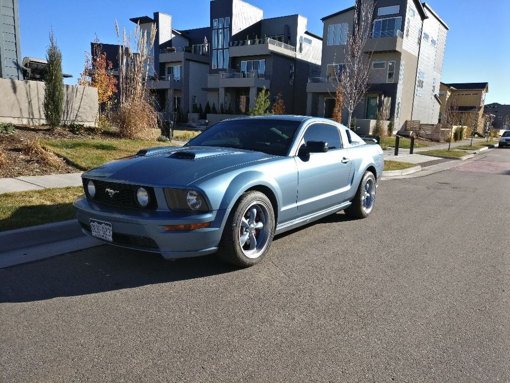 Ebay 2005 Ford Mustang Gt 2005 Mustang Gt Deluxe 4 6l 300 Hp