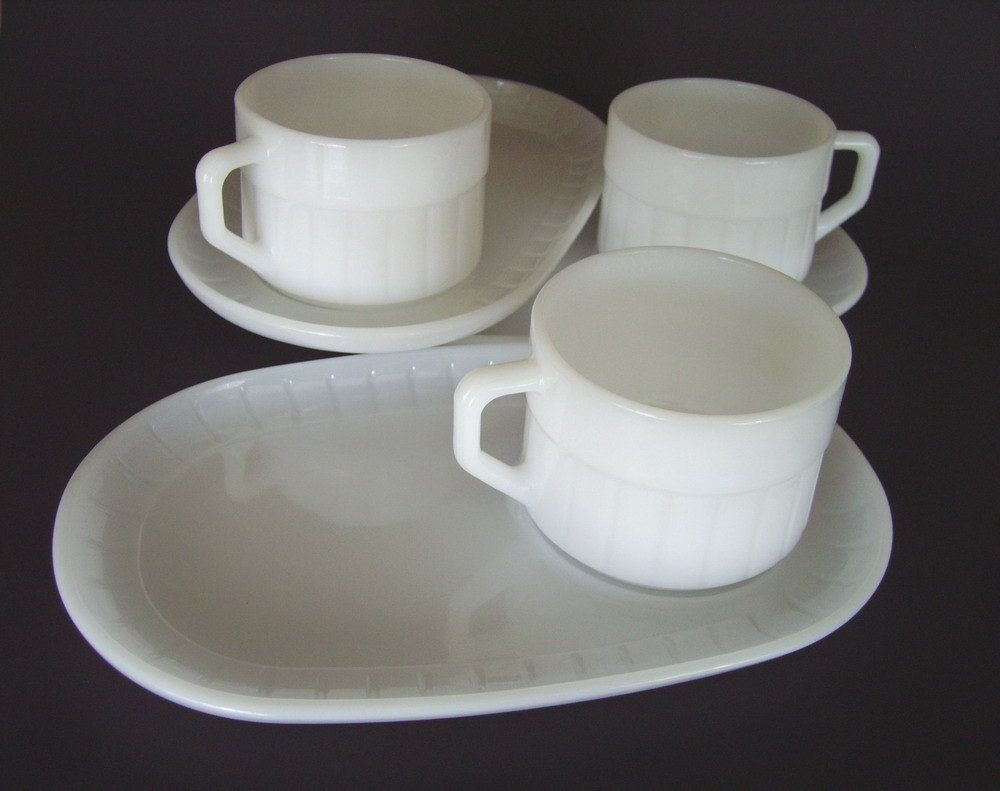 Vintage Federal Glass Snack Soup n Sandwich Set - 3 Plates 3 Cups Mugs - Excellent Condition - Milk Glass White Ribbed Design - Made in USA & 133 best snack sets images on Pinterest | Dishes Cooking ware and ...
