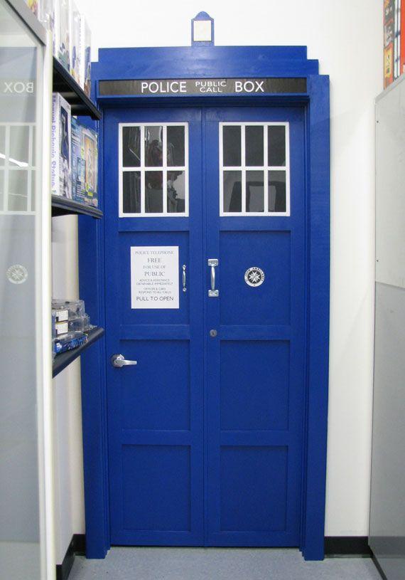 Tardis door architecture doors and doorways pinterest for Doctor who bedroom ideas