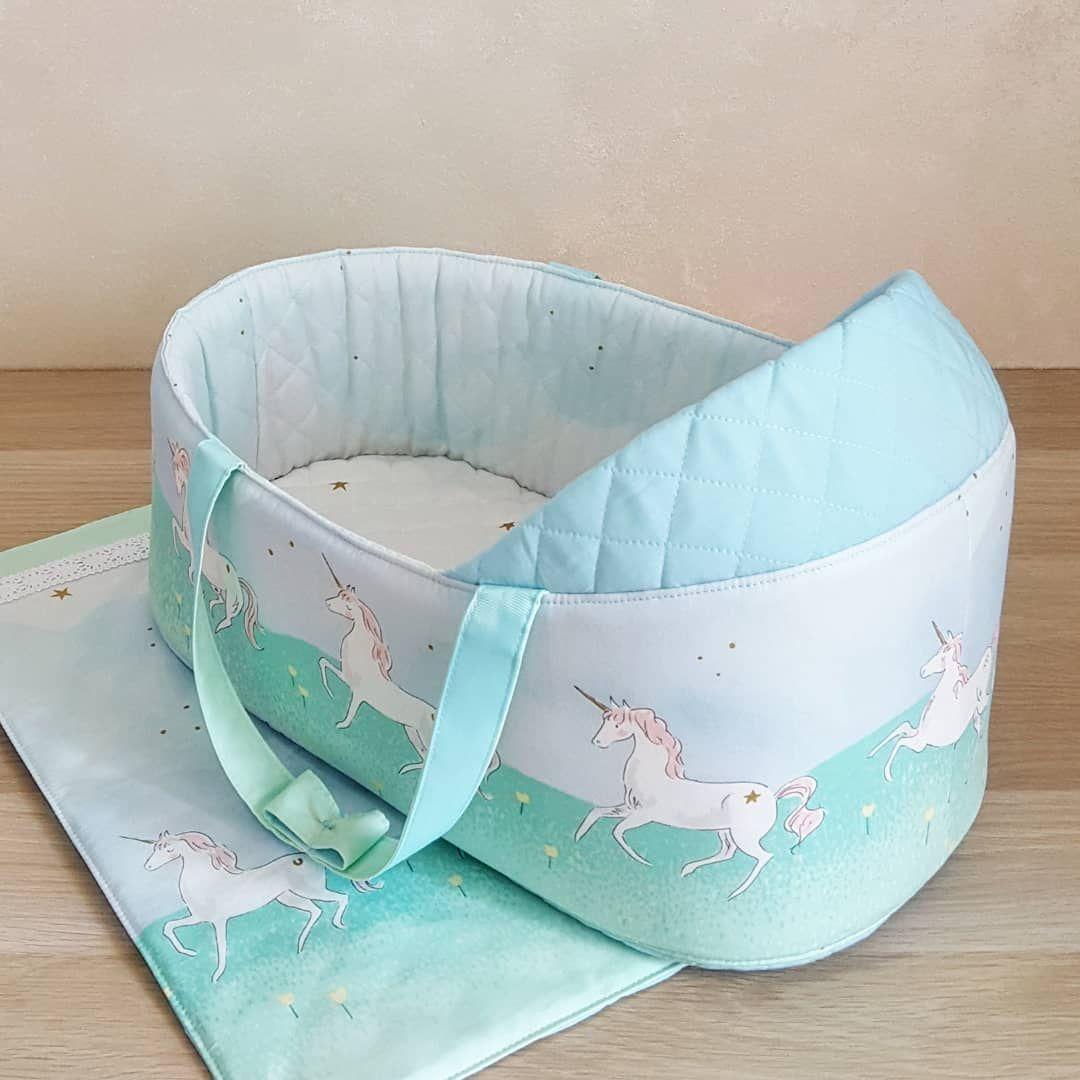 Пожалуй составить конкуренцию ткани с  магическим  парадом на розовом вполне могут единорожки на мятном и голубом.   Люлька-переноска для кукол в комплекте с подушечкой и одеялком. Возможен повтор в другом цвете и размере. #люлькадлякуклы #люлькапереноска #переноскадлякукол #яшью #семья #дети #мамы #игрушки #аксессуарыдлякукол #дочкиматери #подарокдлядевочки #играемвкуклы #куклы #шьюназаказ #подарок #сумкапереноска #handmade #isew #creativity #hobby #toys #doll #weekend #beautifully #babylook #k