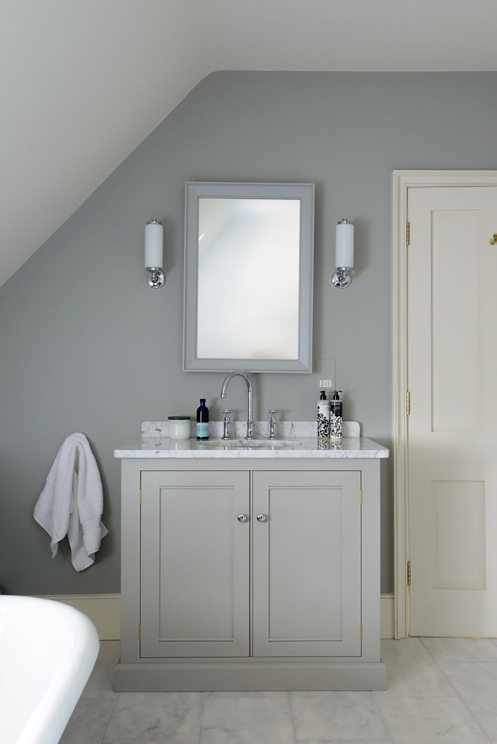 The South Downs Bathroom Uses Beautiful Furniture From Our Classic English Range Bathroom Sink Units Bathroom Design Bathroom Vanity Units