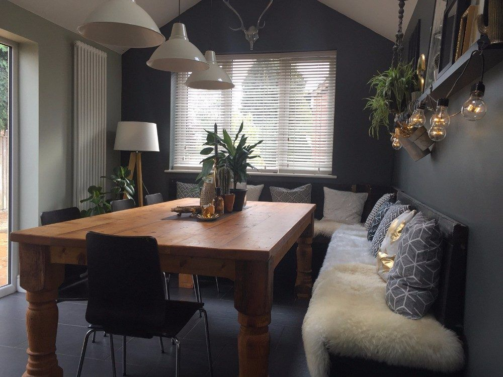 a dark and moody home in england salle manger home decor dining room et dining nook. Black Bedroom Furniture Sets. Home Design Ideas