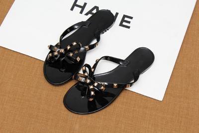 4a0e19f40 2018 fashion women sandals flat jelly shoes bow V flip flops stud beach  shoes summer rivets