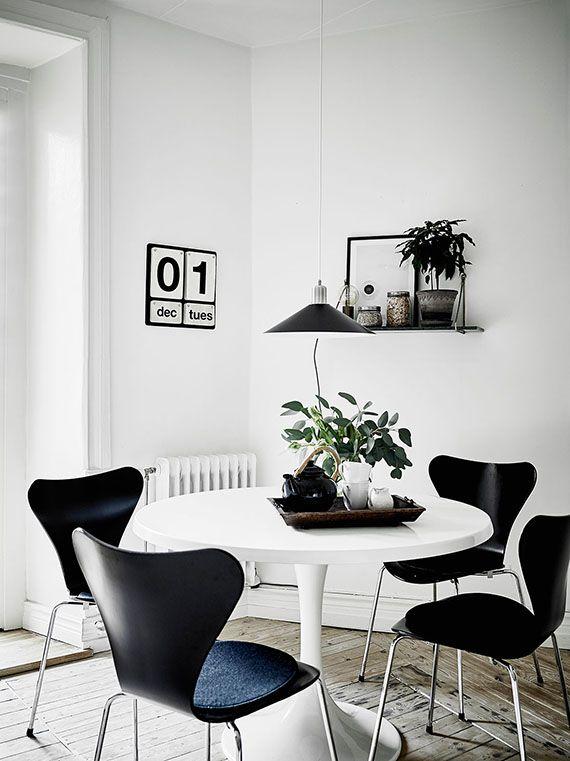 5 Scandinavian Dining Rooms To Make You Crave For A Round Table White Round Dining Table Dining Table Black