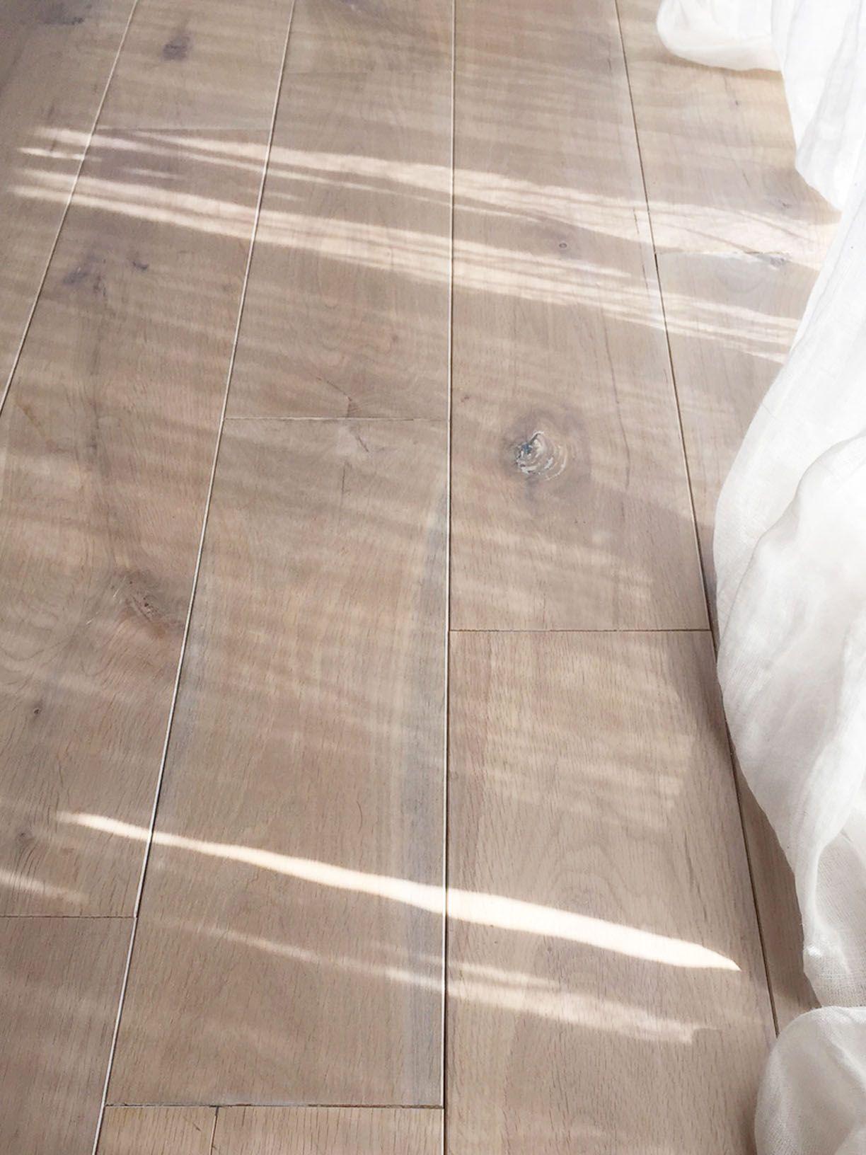 グレーな床材とワックスのこと 画像あり 床材 無垢 リビング 床
