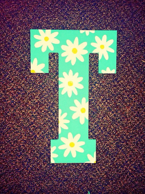 Green Daisy Hand Painted Wooden Letter Etsy Painting Wooden
