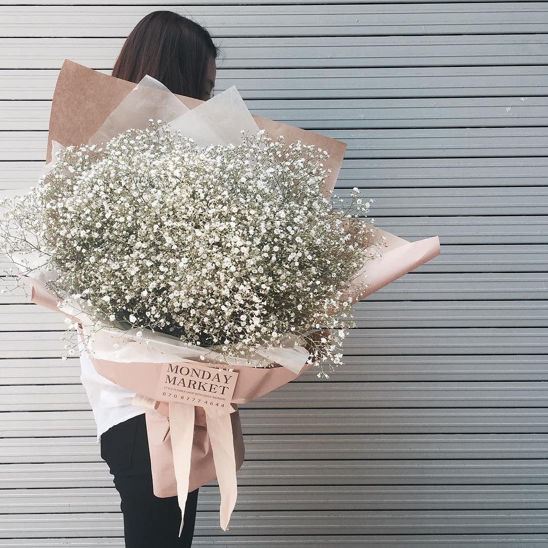 왕왕 사이즈 한아름 안개다발  . . . #홍대 #상수 #꽃집 #먼데이마켓 #mondaymarket #스타일플라워 #꽃스타그램 #인스타플라워 #flower #여자친구 #선물 #안개꽃 by mondaymarket_