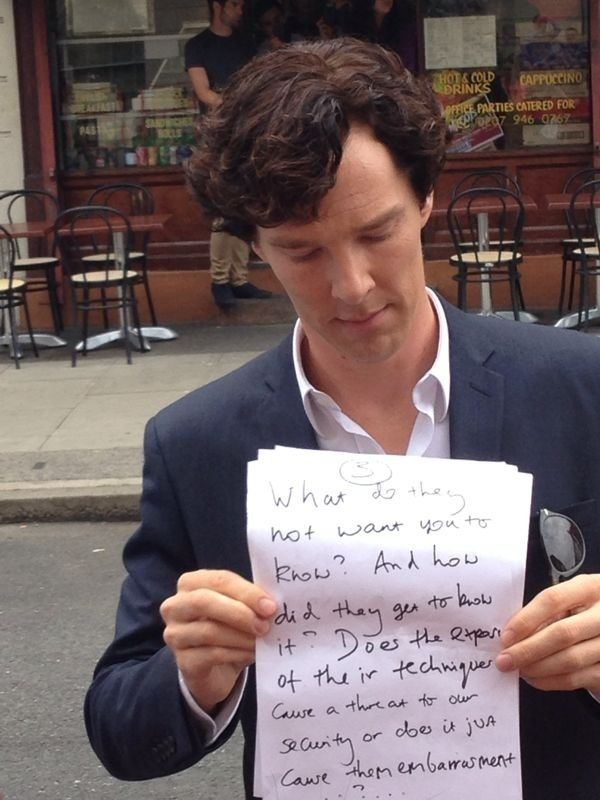 Benedict Cumberbatch held up another sign on the Sherlock set today, criticizing the U.K. government's detention of journalist Glenn Greenwald's partner. Go Ben