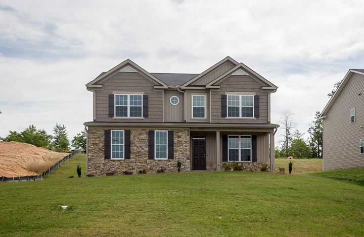 Our Bradford Ii Plan Provides Great Use Of The Square Footage An Open Concept First Floor A Large Private Master Suite And Home Builders Building A House Home