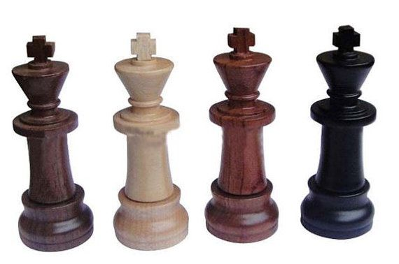 Genuine Wooden Chess Model 8GB USB 2.0 Flash Memory Stick Drive