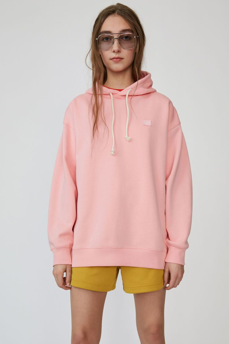Pin By Aida Farouk On Clothes In 2021 Sweatshirts Clothes Hooded Sweatshirts [ 1125 x 750 Pixel ]