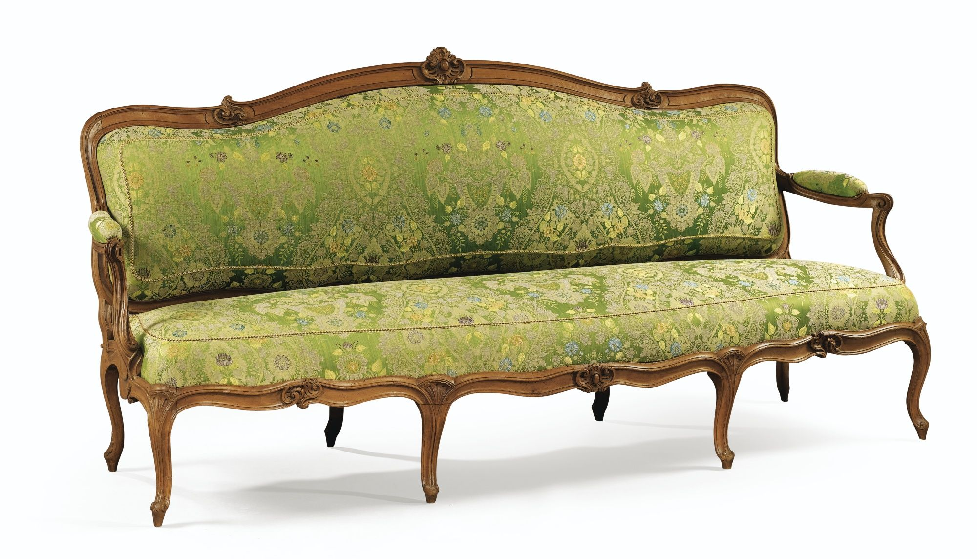 Date Unspecified A LARGE CARVED WOOD SOFA LOUIS XV Estimate 7000 10000 EUR 8763