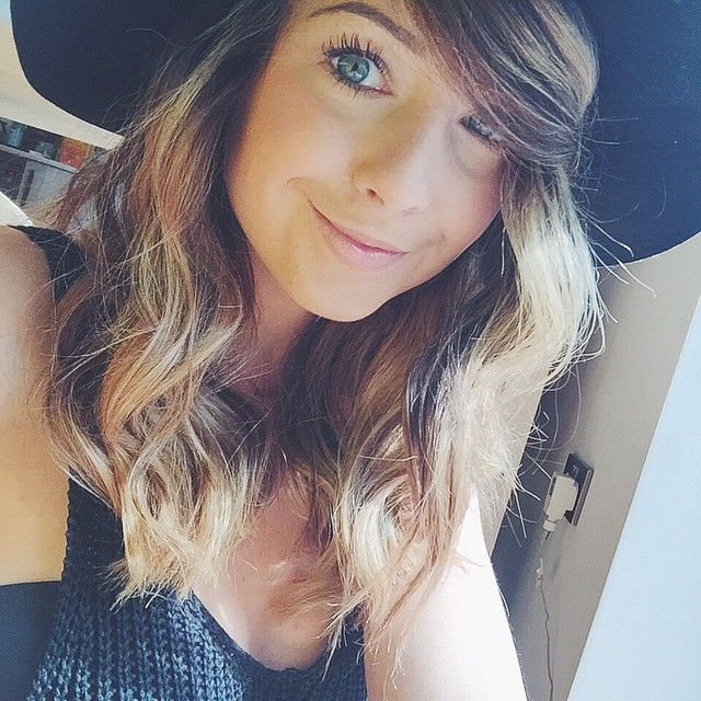 Zoe Sugg Hair ombré balayage beachy waves | Blueberry segmentS