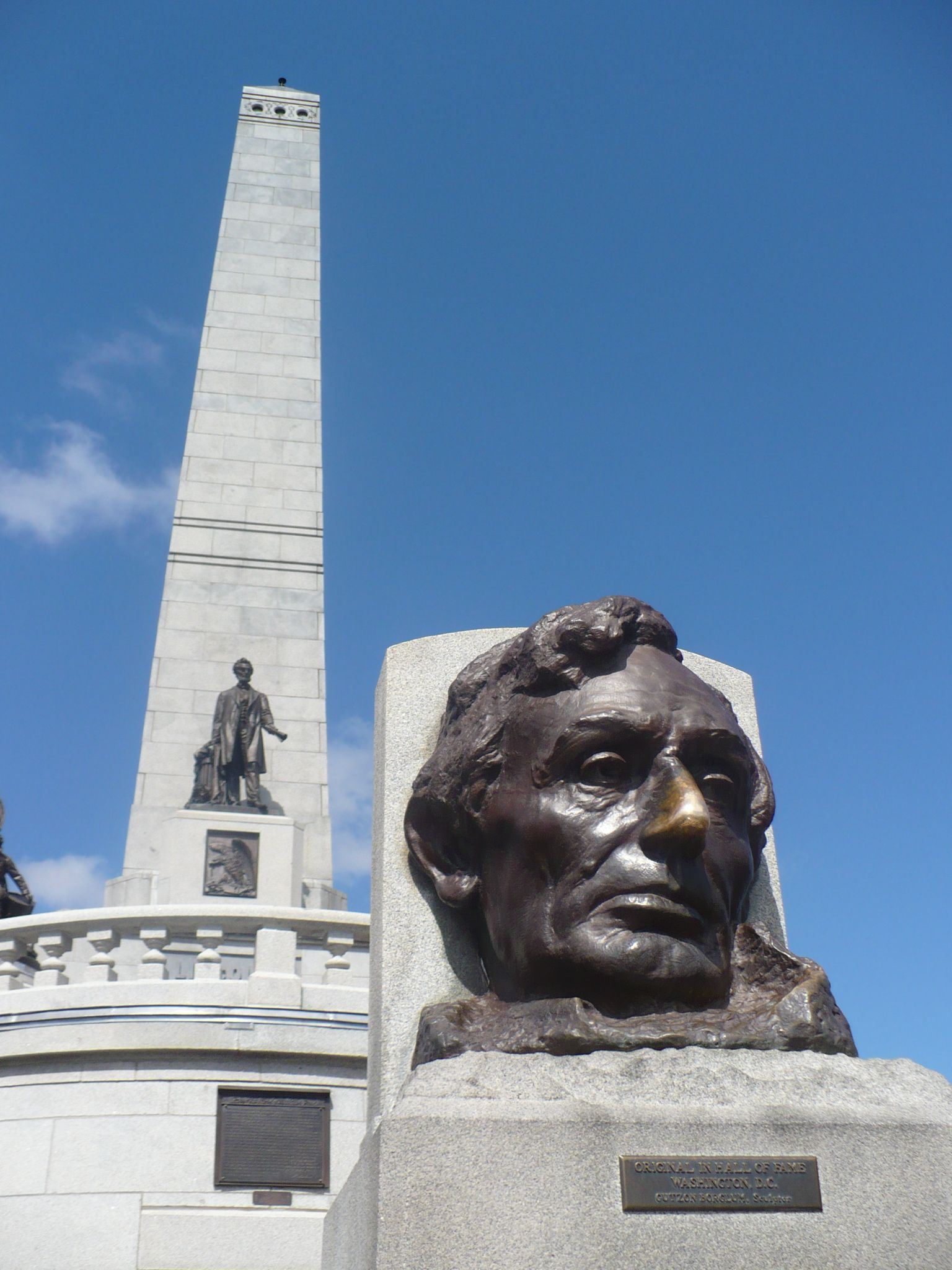 Lincoln s Tomb Springfield Illinois Rub his nose for good luck