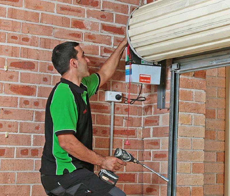 Repairing And Maintaining Of Roller Doors Roller Doors Door Repair Garage Doors