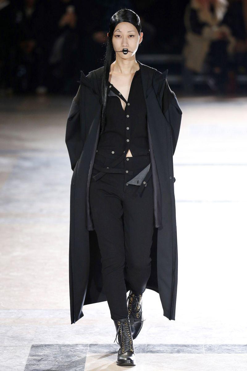 Yohji Yamamoto | Ready-to-Wear - Autumn 2016 | Look 6