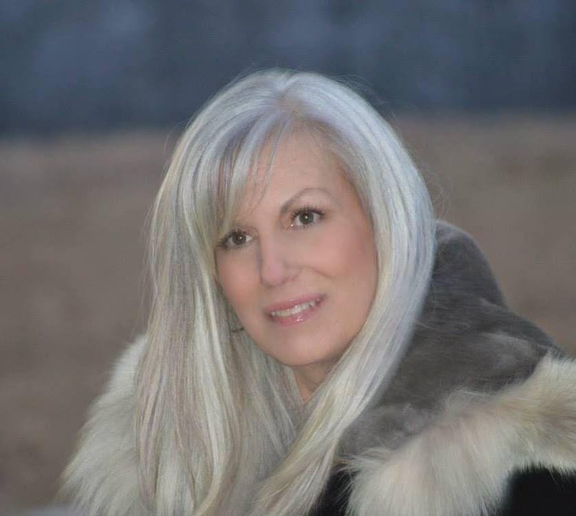 Cathye... so beautiful! Cheveux gris, Cheveux gris