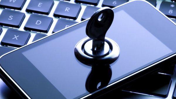 John McAfee quiere interceder y propone descifrar el iPhone controversial en 3 semanas - http://www.esmandau.com/180529/john-mcafee-quiere-interceder-y-propone-descifrar-el-iphone-controversial-en-3-semanas/